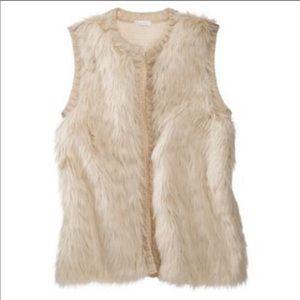 Exhilaration Faux Fur Vest in Cream. Size M.